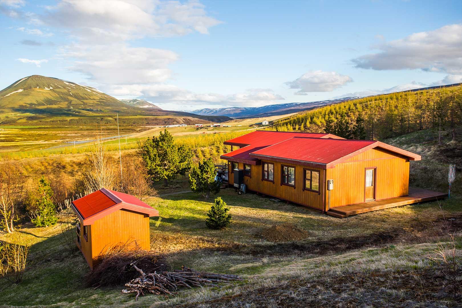 Nordic Lodges Island Sommer Saison Ferienhaus Hamragil