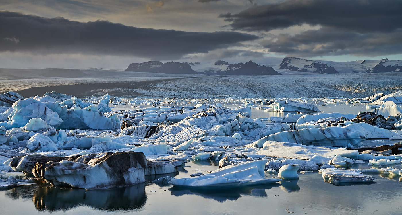 tourist attraction, Jokulsarlon, glacier ice lagoon, south-east Iceland, Iceland